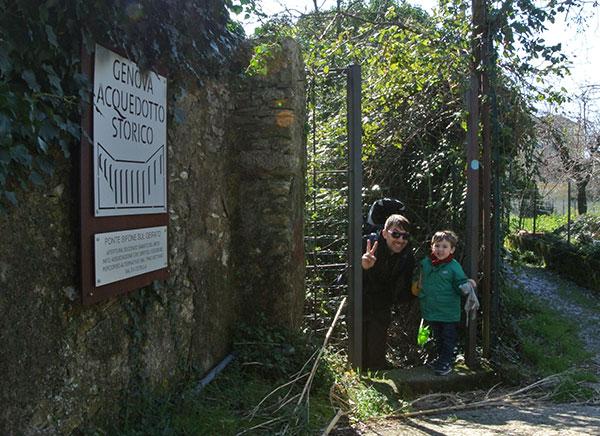 Passeggiata sull'acquedotto storico di Genova