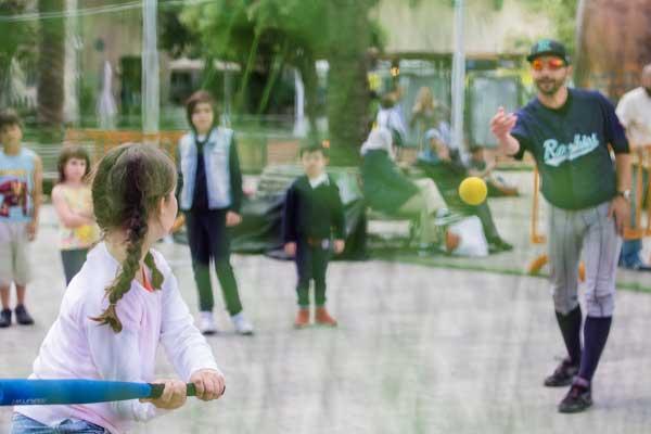 baseball bambina lancio corsi Genova